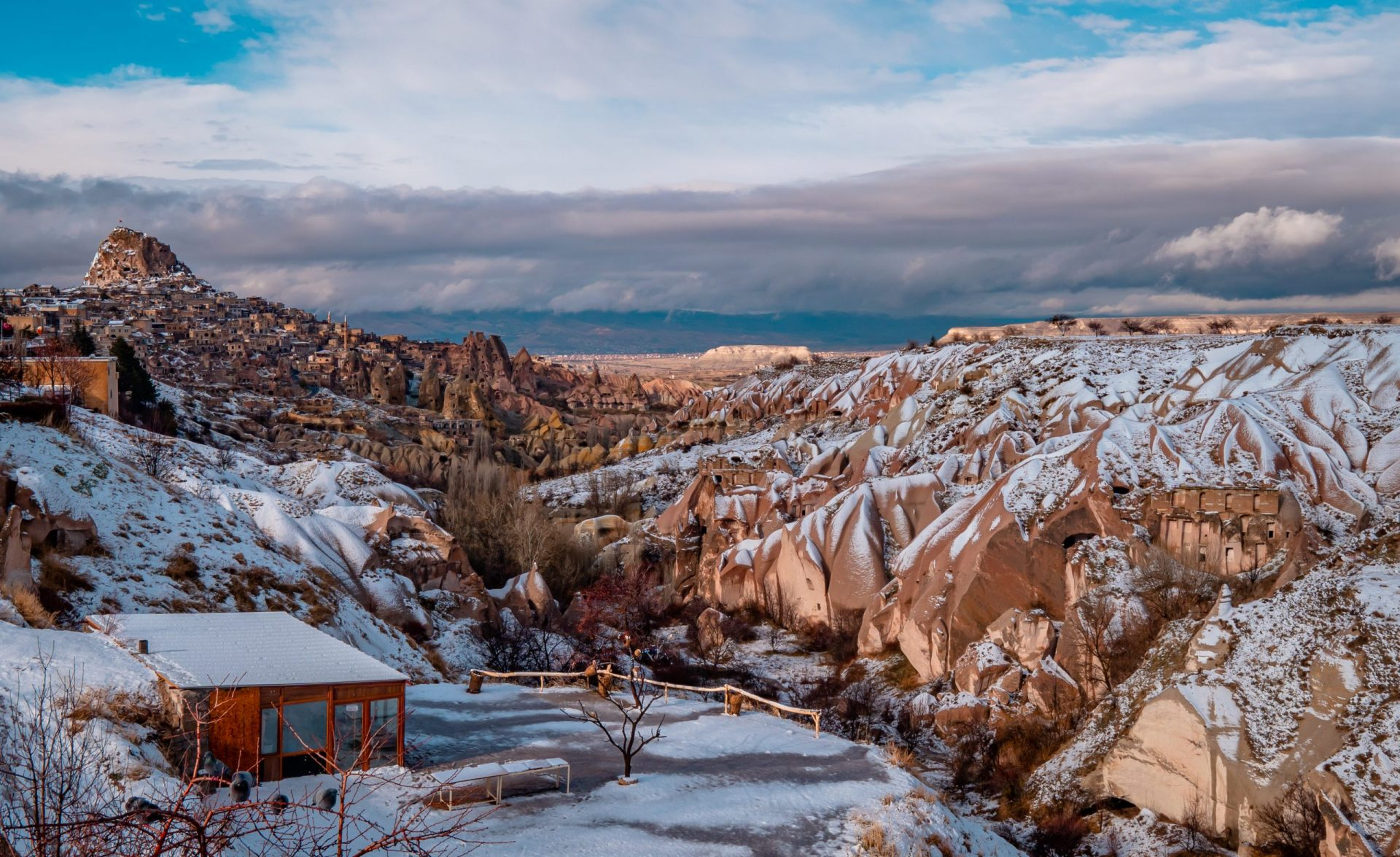 10 Common Travel Photography Mistakes - the pigeon valley in Cappadocia, Turkey