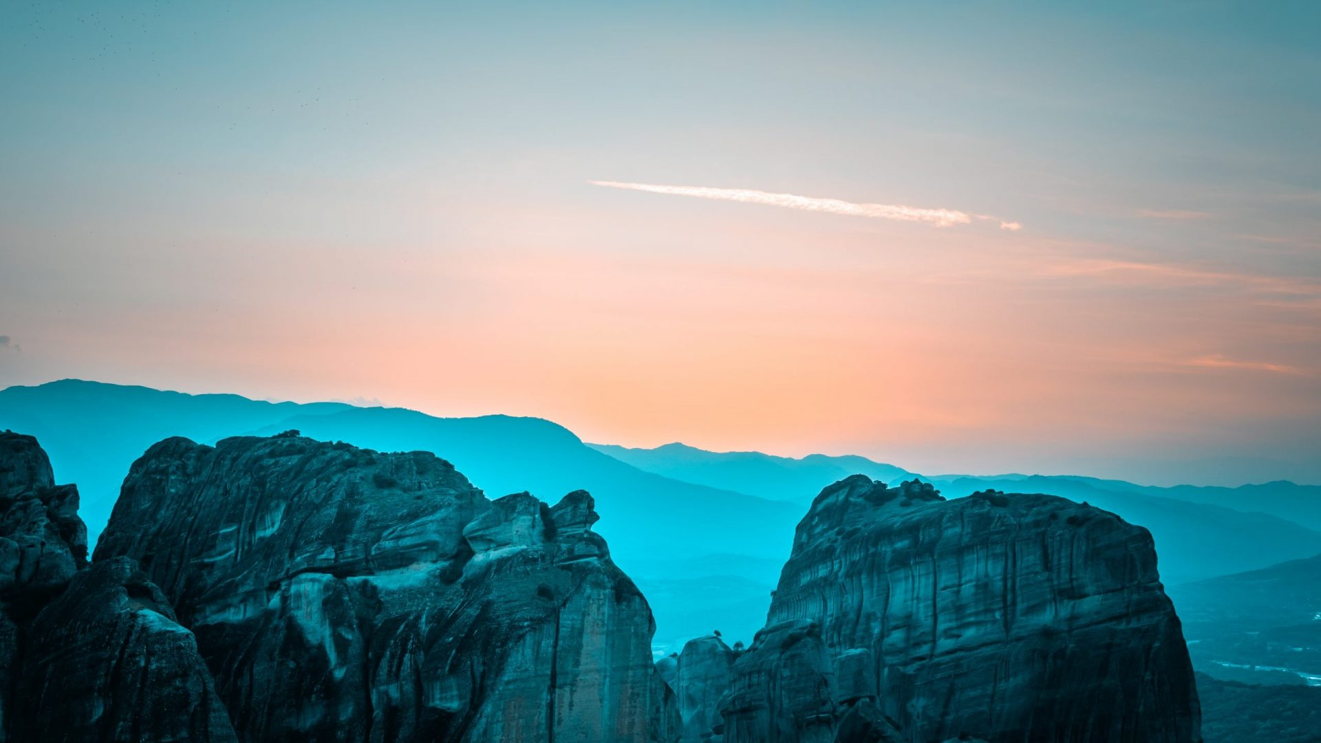 10 Travel Photography Tips - rule of thirds - sunset in Meteora, Greece