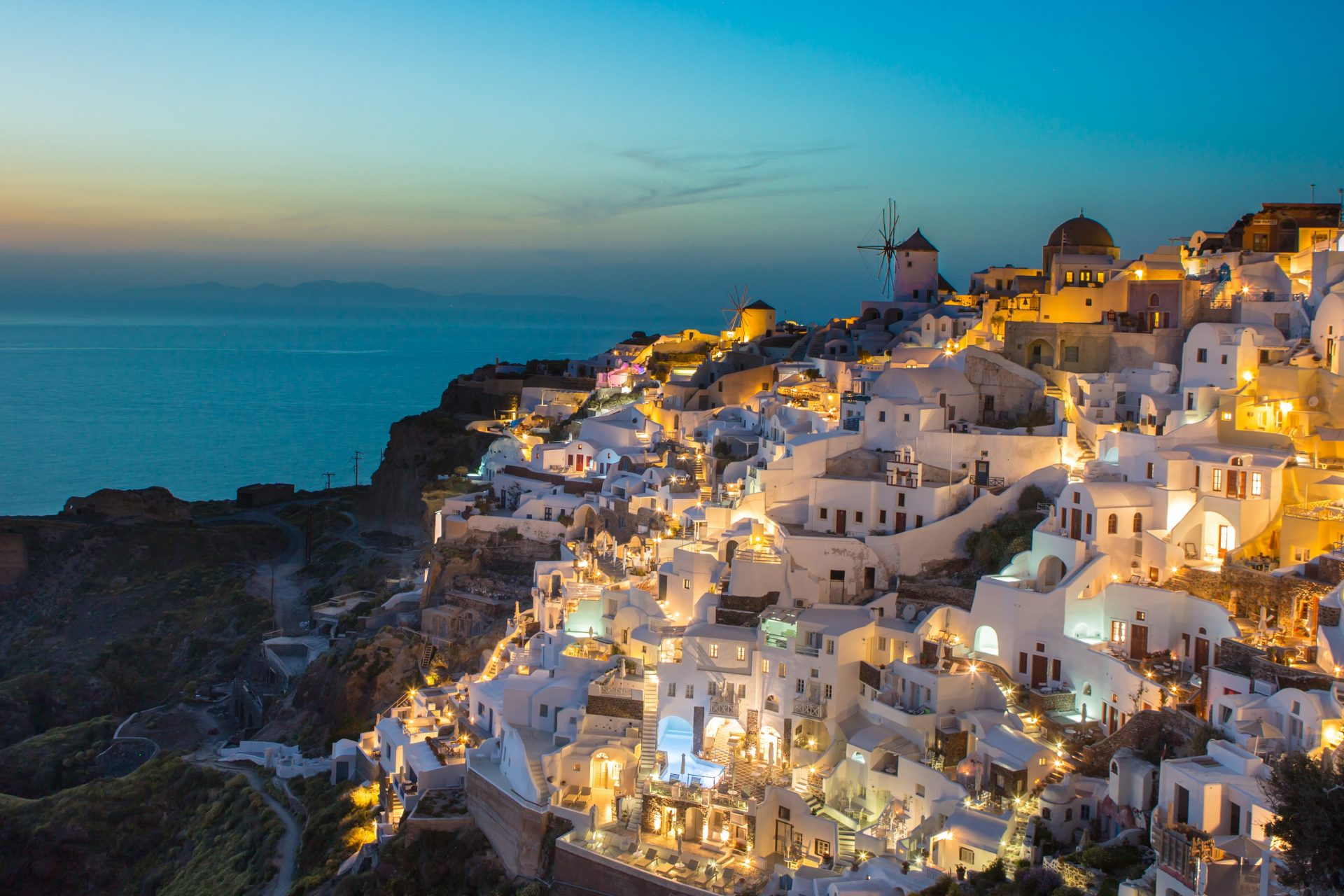 Best places to live in Greece as a digital nomad - Oia, Santorini