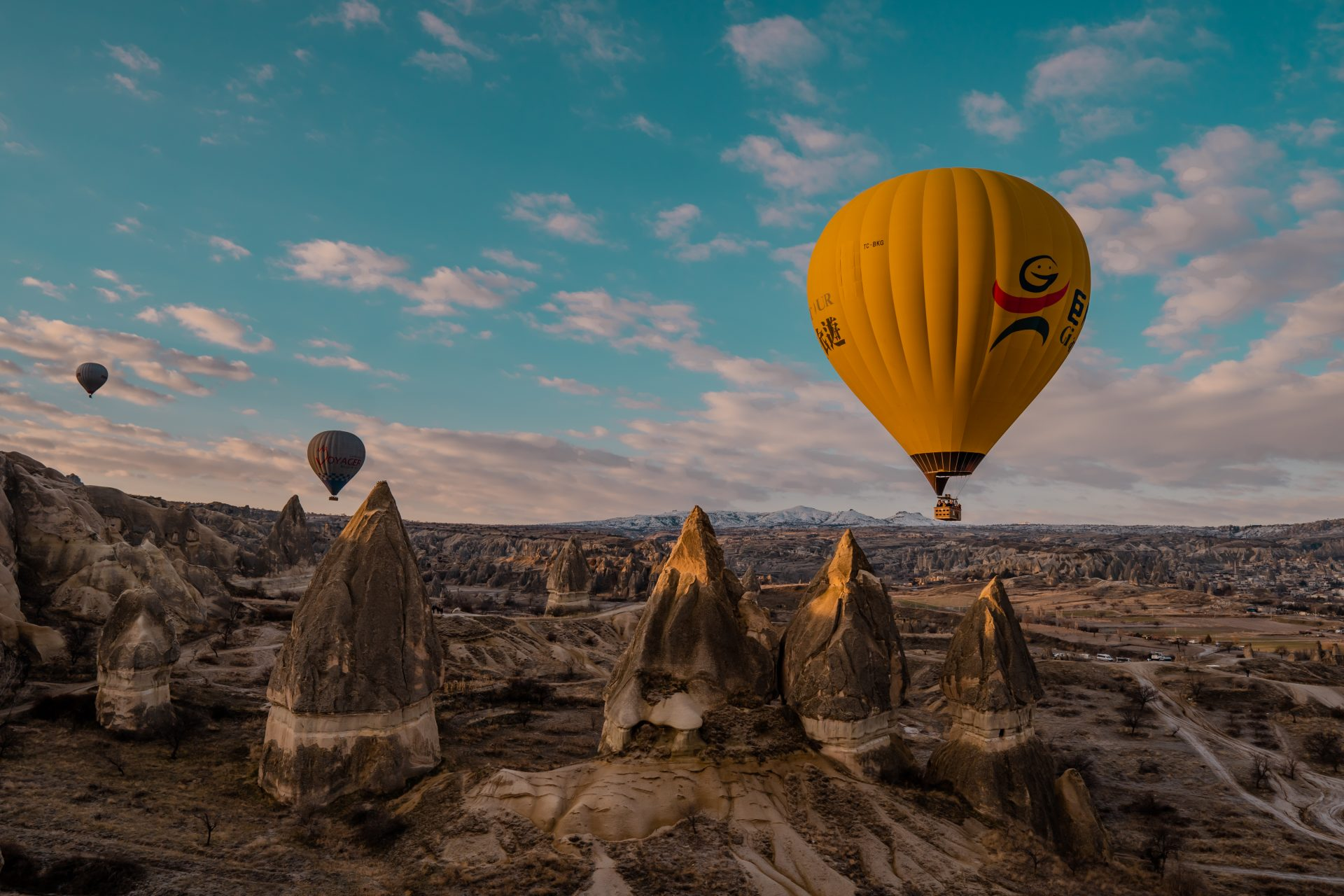 Hot Air Balloons in Cappadocia, Turkey - a Complete Guide - featured